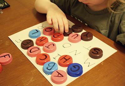 Giocabosco creare con gnomi e fate lavoretti con tappi di plastica - Casa plastica per bambini ...