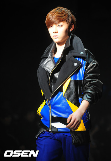 [Pic][070412] Minhyun en Seoul Fashion Week 6