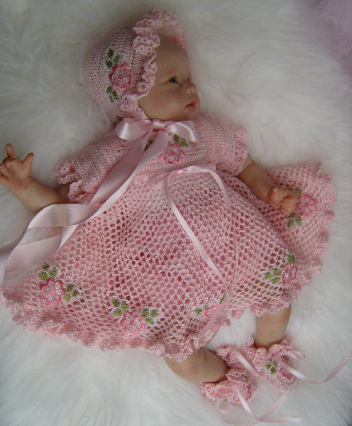 Crocheting Baby Stuff : Threads For Tiny Tots: Crochet designer baby clothes