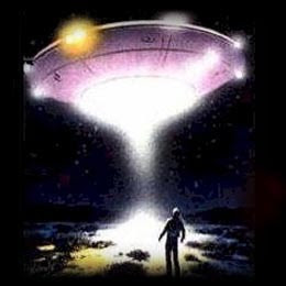 Whitley Strieber: Orang yang mengaku pernah diculik alien