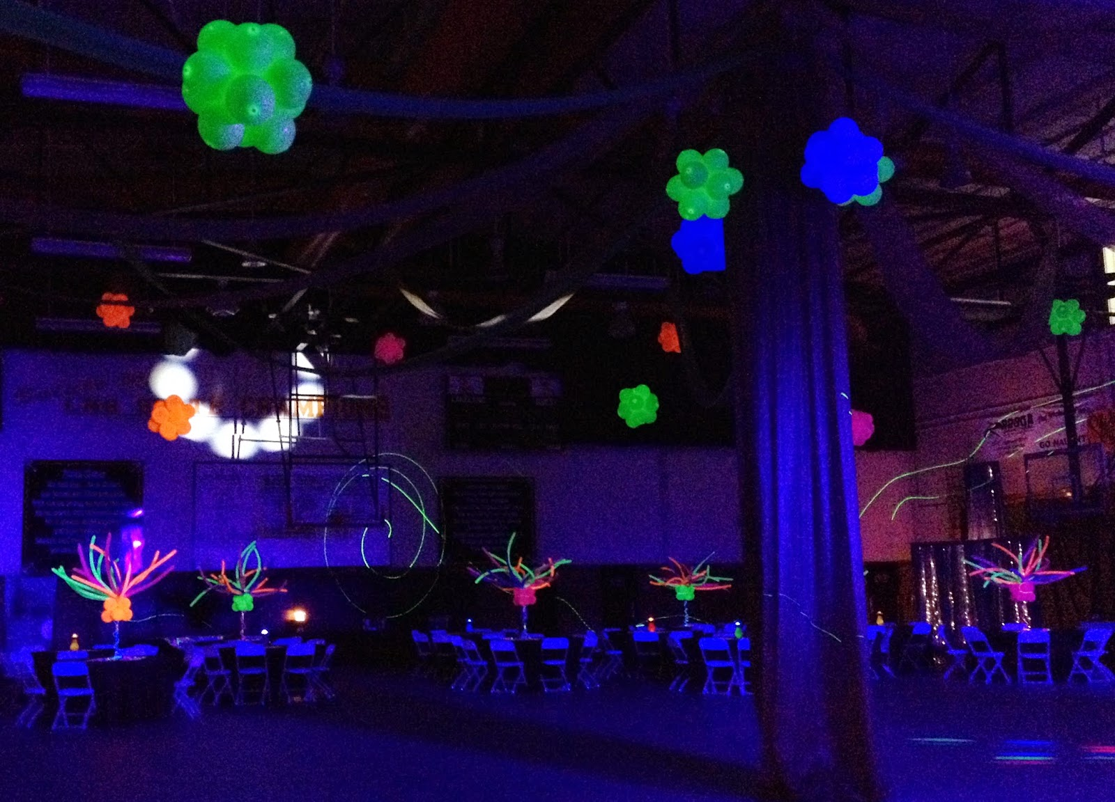 Party people event decorating company harrison school of for Glow in the dark centerpiece ideas