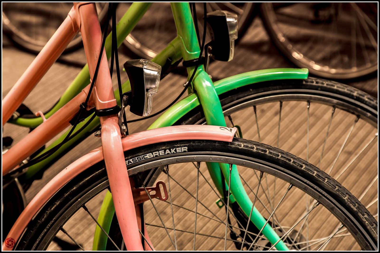 Bicicletas cursis: Canon EOS 5D Mark III | ISO800 | Canon 24-105@85mm | f/5.6 | 1/60s