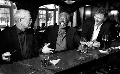Caine, Freeman, Neeson – Efsaneler Aynı Masada
