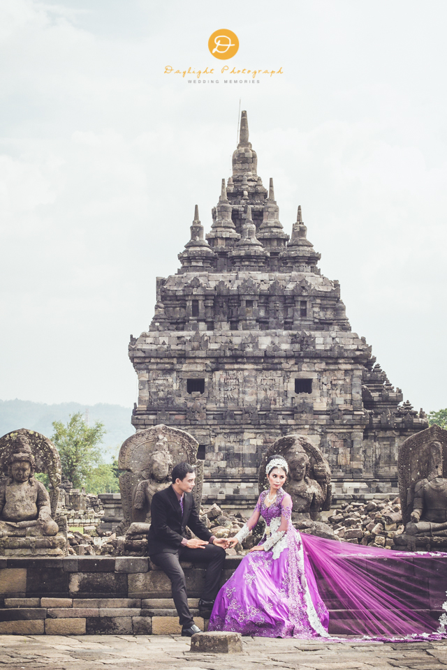 foto pre wedding outdoor Vhe Aang