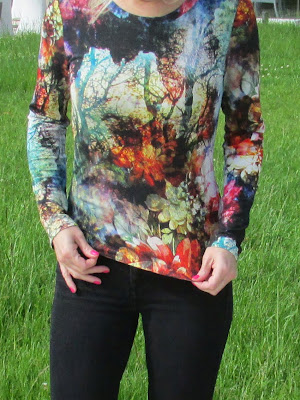 http://ladylinaland.blogspot.com/2015/05/the-forest-motif-t-shirt.html