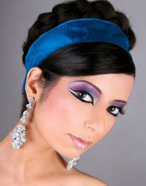 Dark Eye Make Up Party Trend