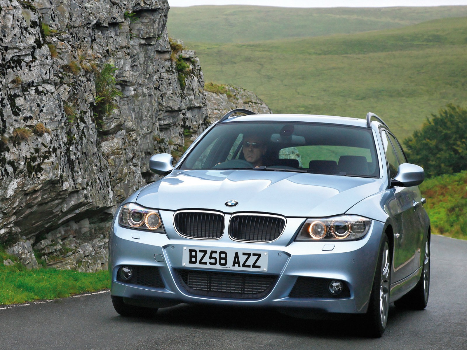 2009 BMW 3-Series Touring UK Version ~ CAR REPORT