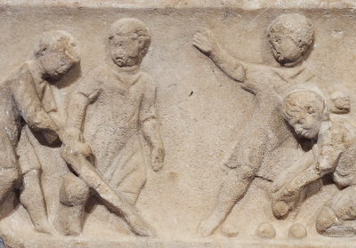 Roman sculpture of children playing