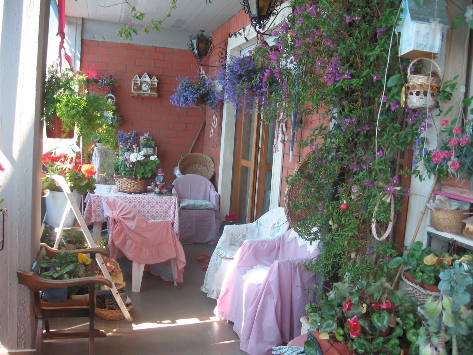 The romantic rose il mio balcone lo scorso maggio for Casa maggio