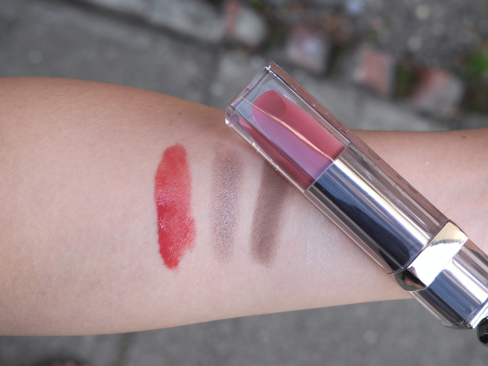 Dior ciel rose fluid stick essence day smokey look swatch review