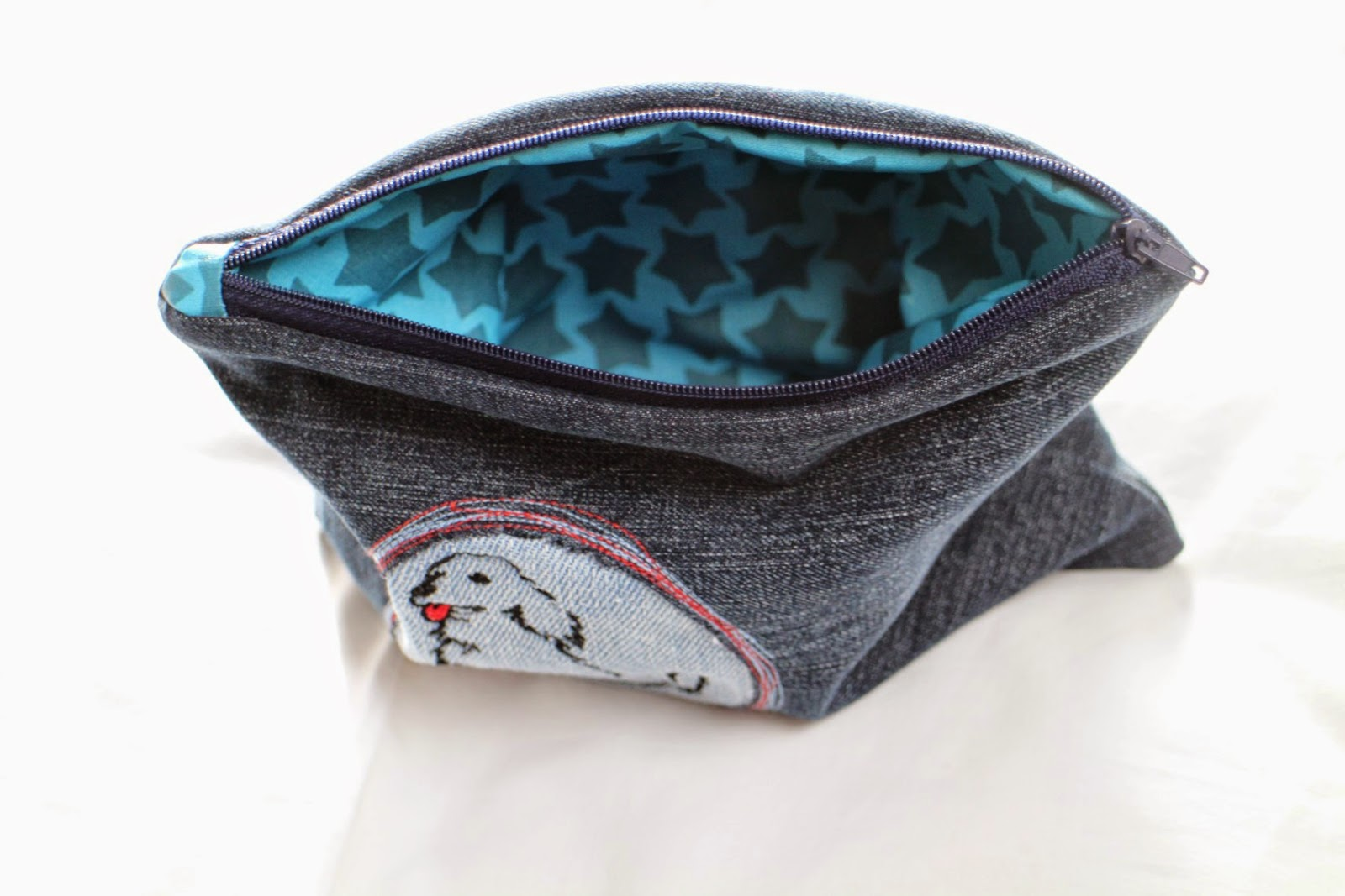 Upcycling Etui aus alter Jeans / Zippered pouch made from old pair of jeans