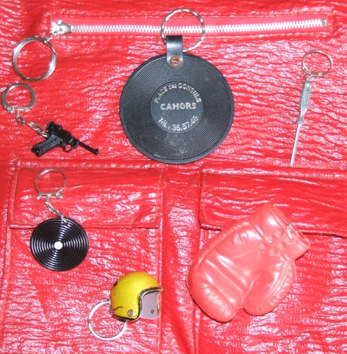 vintage key ring 60s 1960 70s 1970 helmet glitter golden record