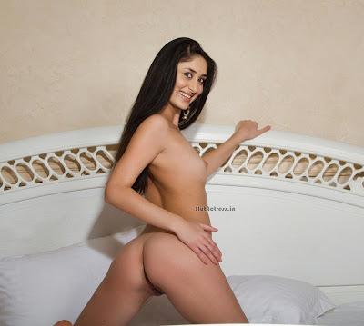 Kareena Kapoor Nude Showing Sey Gaand Ass
