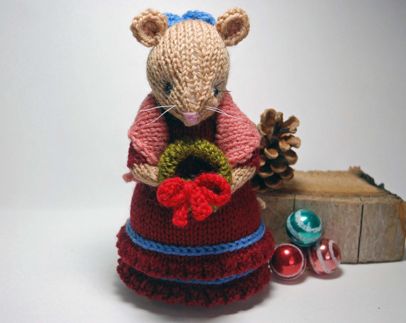 This adorable Miss Mousie is all dressed in her best holiday outfit
