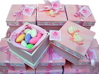 Lembrancinhas de Bebê, caixinhas com doces