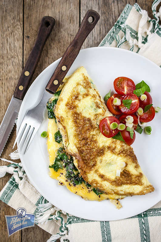 Omlet ze świeżym szpinakiem