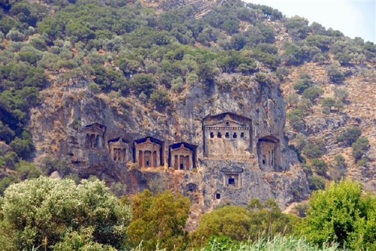 Kaunos rock tombs to be protected by fences - The ...