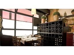 bodega dentro del restaurante italiano para celiacos