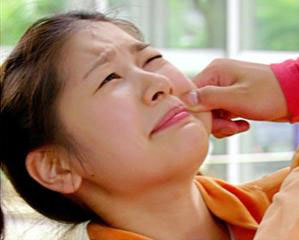 Cubit Pipi Wajah untuk Mengenali Jenis Kulit dan Perawatannya