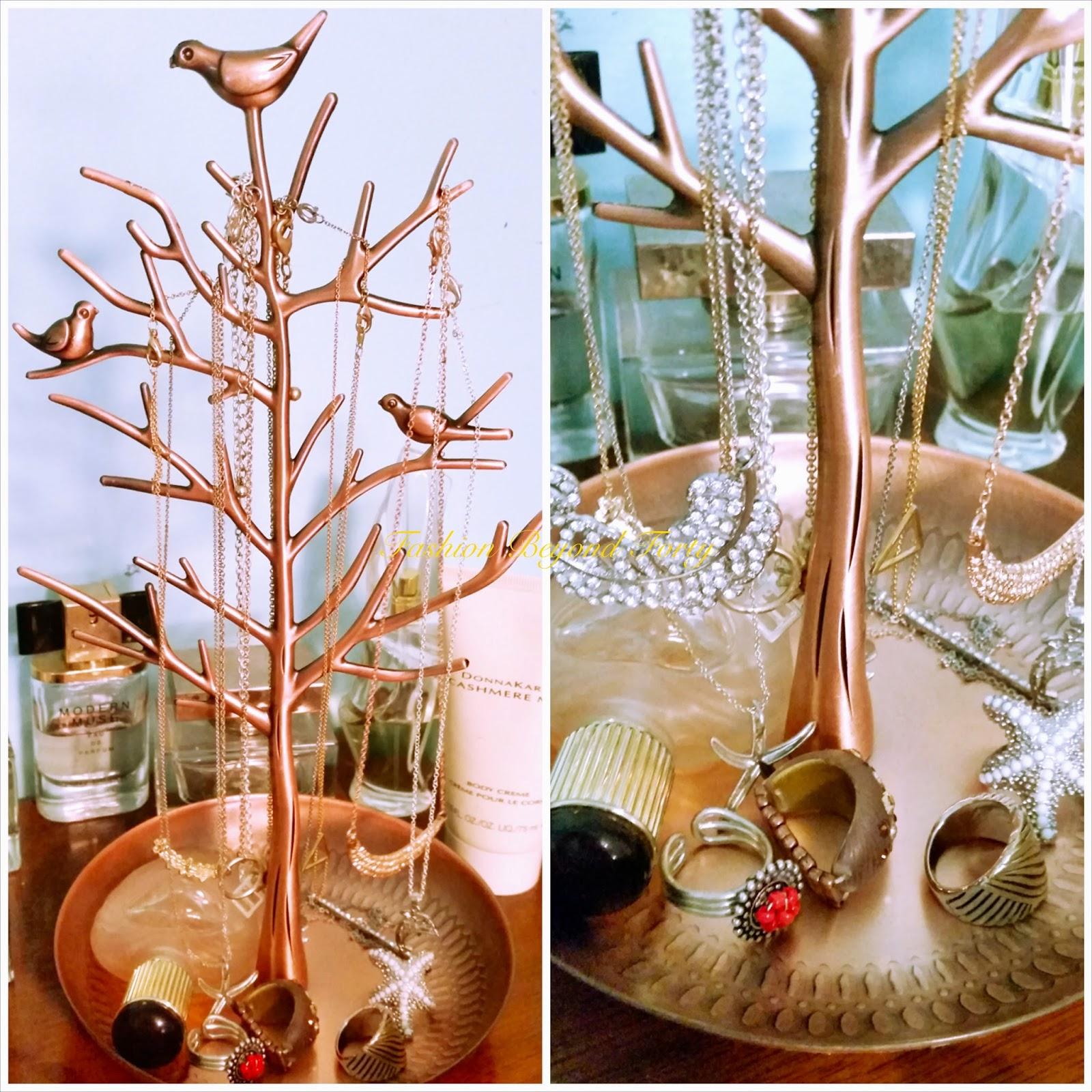 Joy Jewelry Tree Review