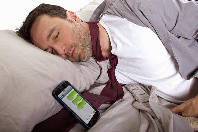 ترك الهاتف أثناء النوم، إطفاء الهاتف أثناء النوم، النوم مع الهاتف المحمول