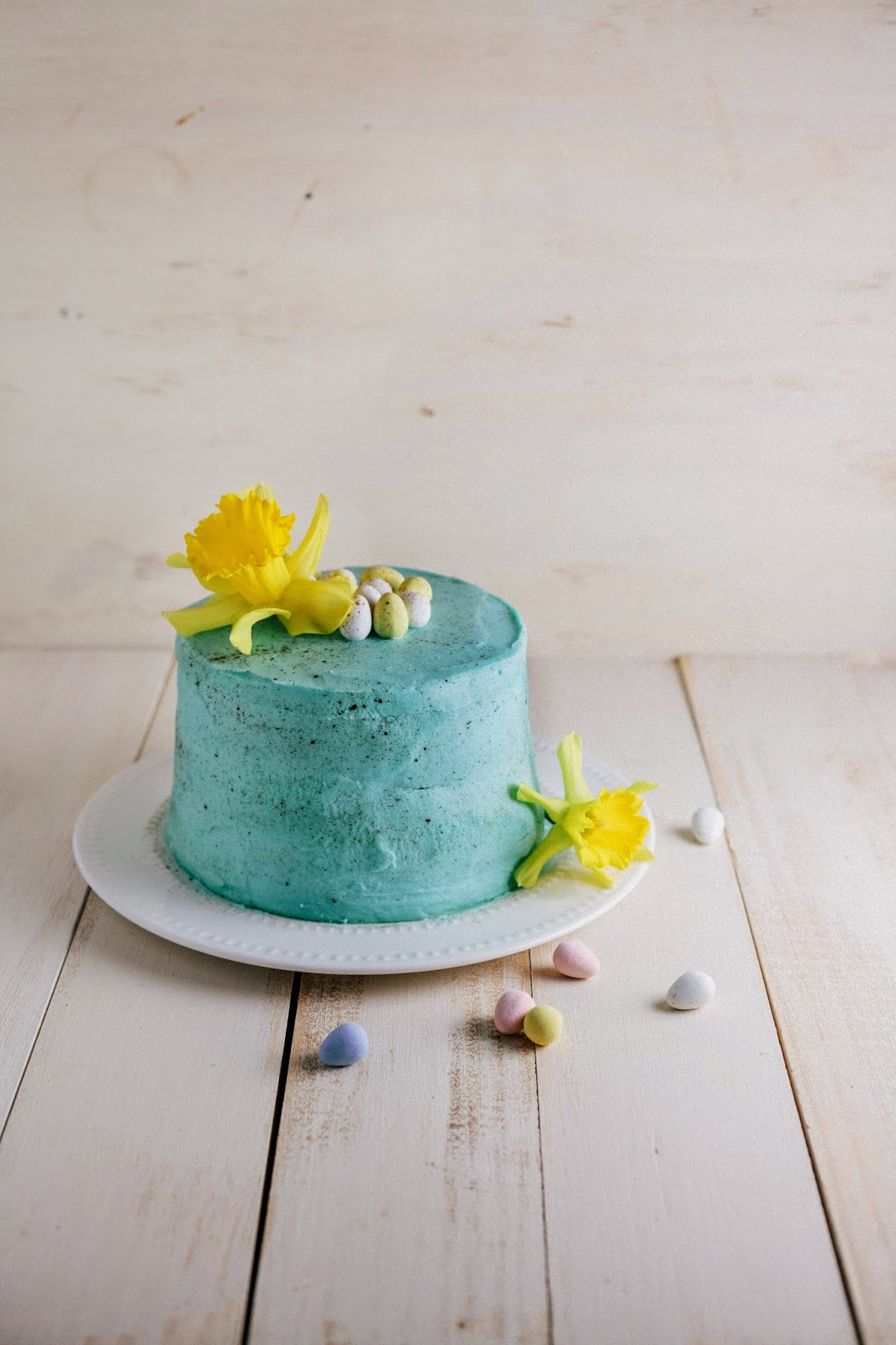Easter Egg Cake | hummingbird high || a desserts and ...