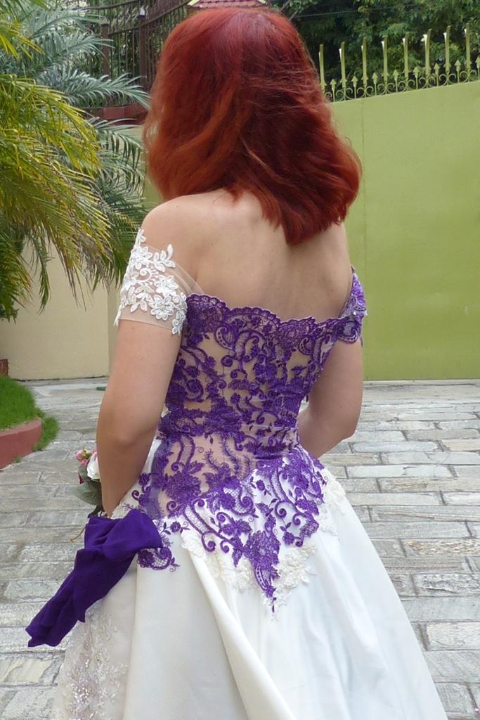 Local style: Wedding dress with a twist