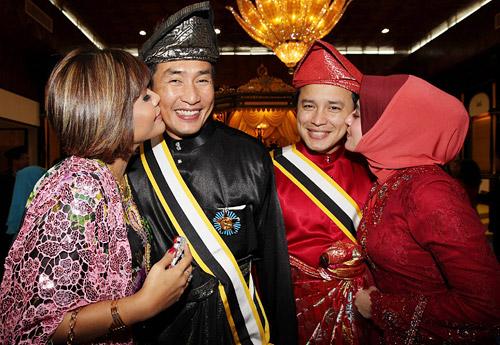 Tahniah!! AC Mizal Dan Eizlan Yusof Kini Bergelar 'Datuk'