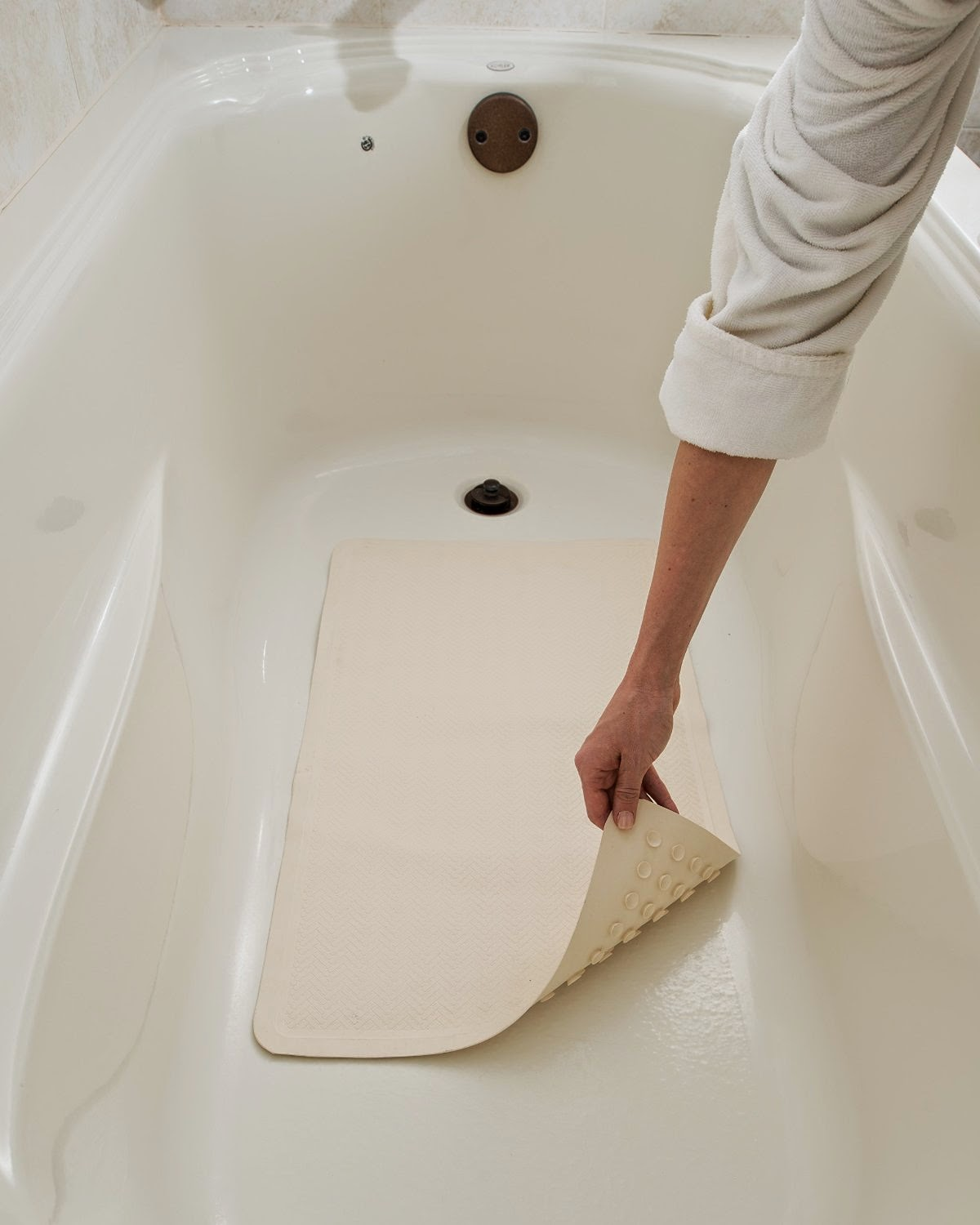 No More Slipping In The Shower Epica Bath Mat Review