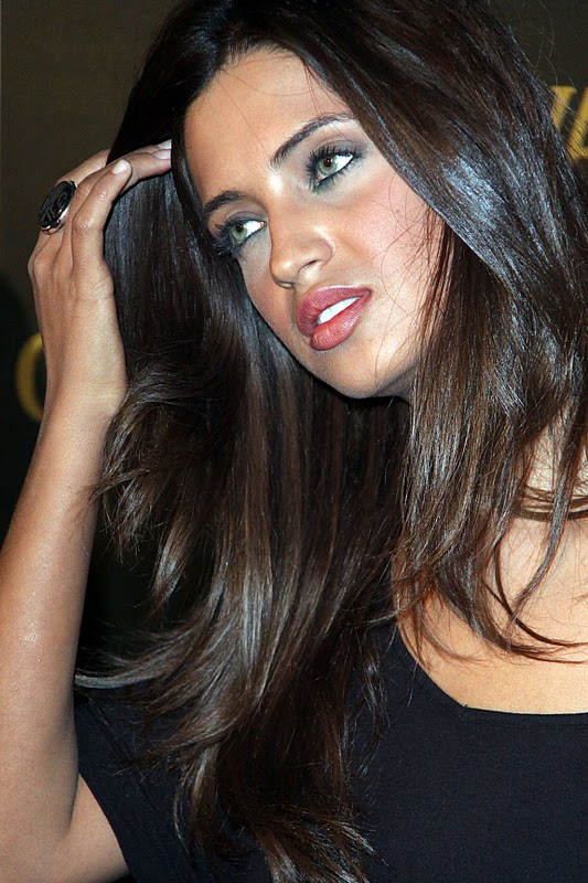 Peinados para pelo rizado Fotos de los looks de moda  - Sara Carbonero Corte De Pelo
