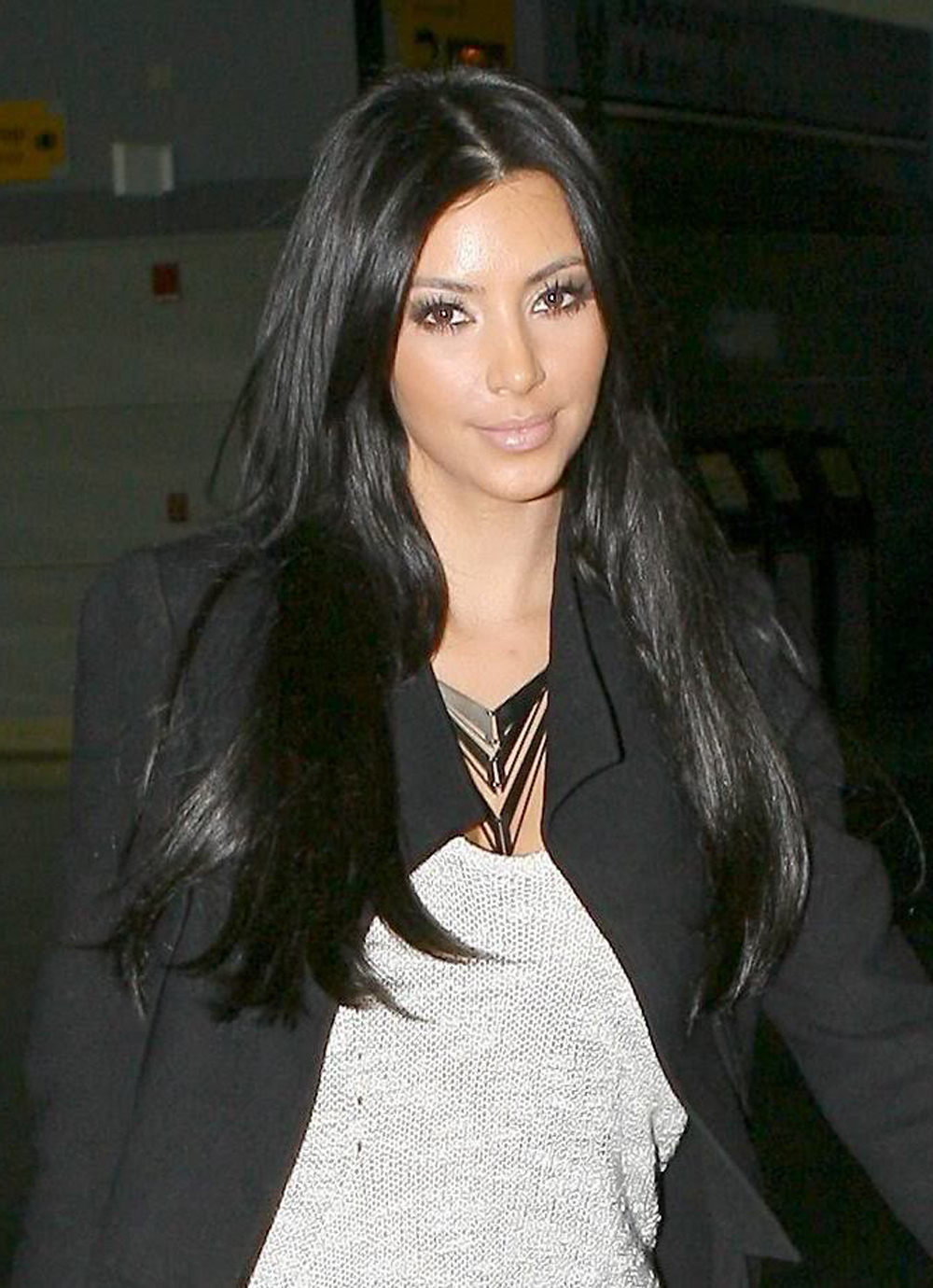Kim Kardashian Long Straight Hairstyles 03