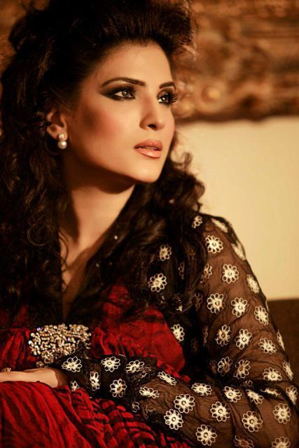 Pakistani Model Film actress resham  hot images