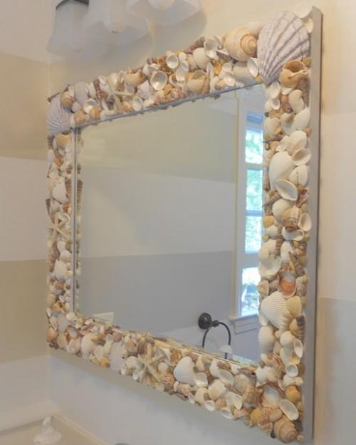 Relas come decorare uno specchio con delle conchiglie - Specchio con lampadine ...