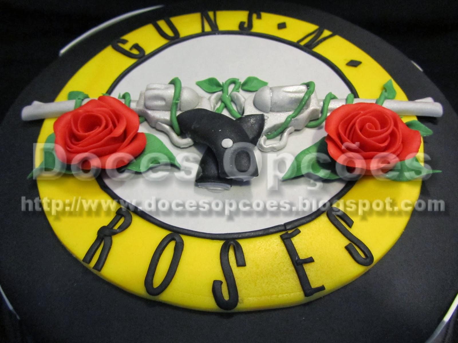 Bolo Guns N' Roses doces opções