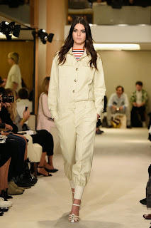 kendall-jenner-paris-fashion-week-sonia-rykiel-catwalk-05.jpg