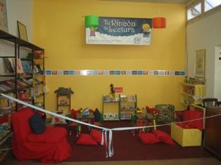 En el mundo de los peque os bloque v biblioteca de aula for El rincon de la lectura
