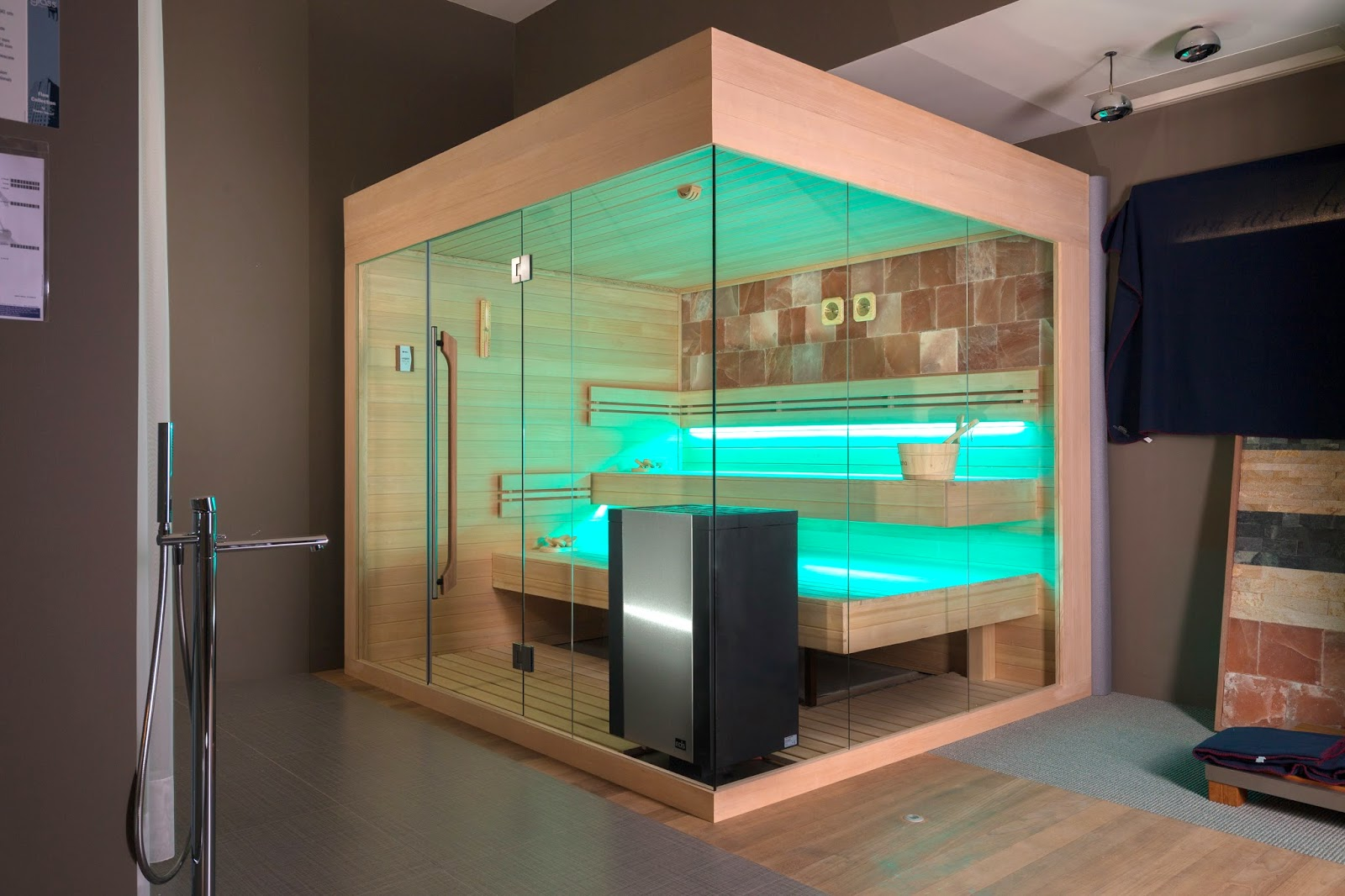 ZE12 - Zelien - showroom - panoramic glass - Sauna - floating benches - saltstone