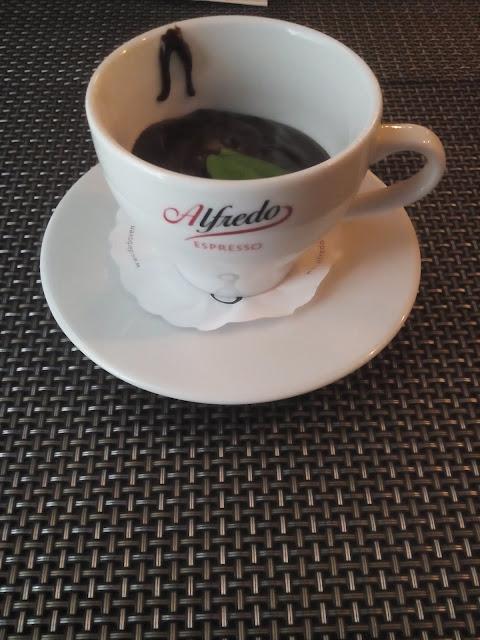kawa, słodycze, relaks, wypoczynek