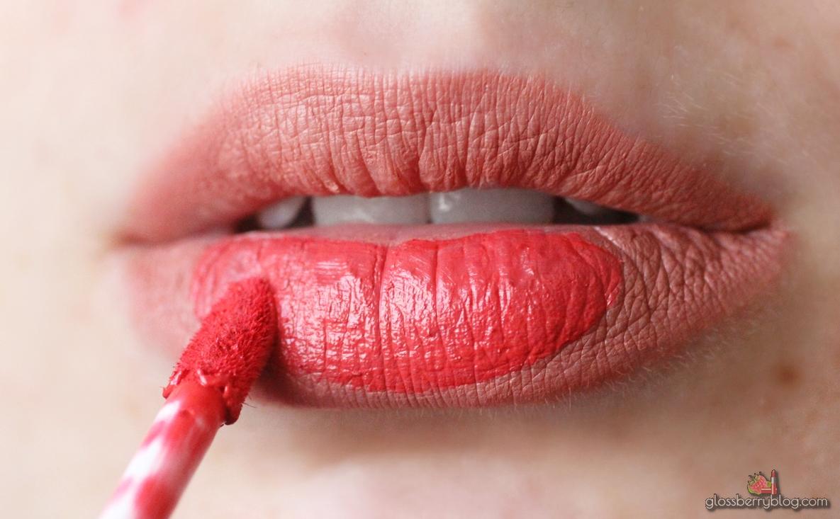 bel air ultimate red ofra lips lipstick long lasting עפרה גילטי שפתון עמיד נוזלי ניוד אדום ערבוב בל אייר אולטימד רד mixing   גלוסברי בלוג איפור וטיפוח סקירה המלצה review swatch