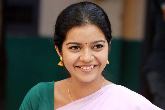 Swathi Cute Photo in Half Saree HD background image