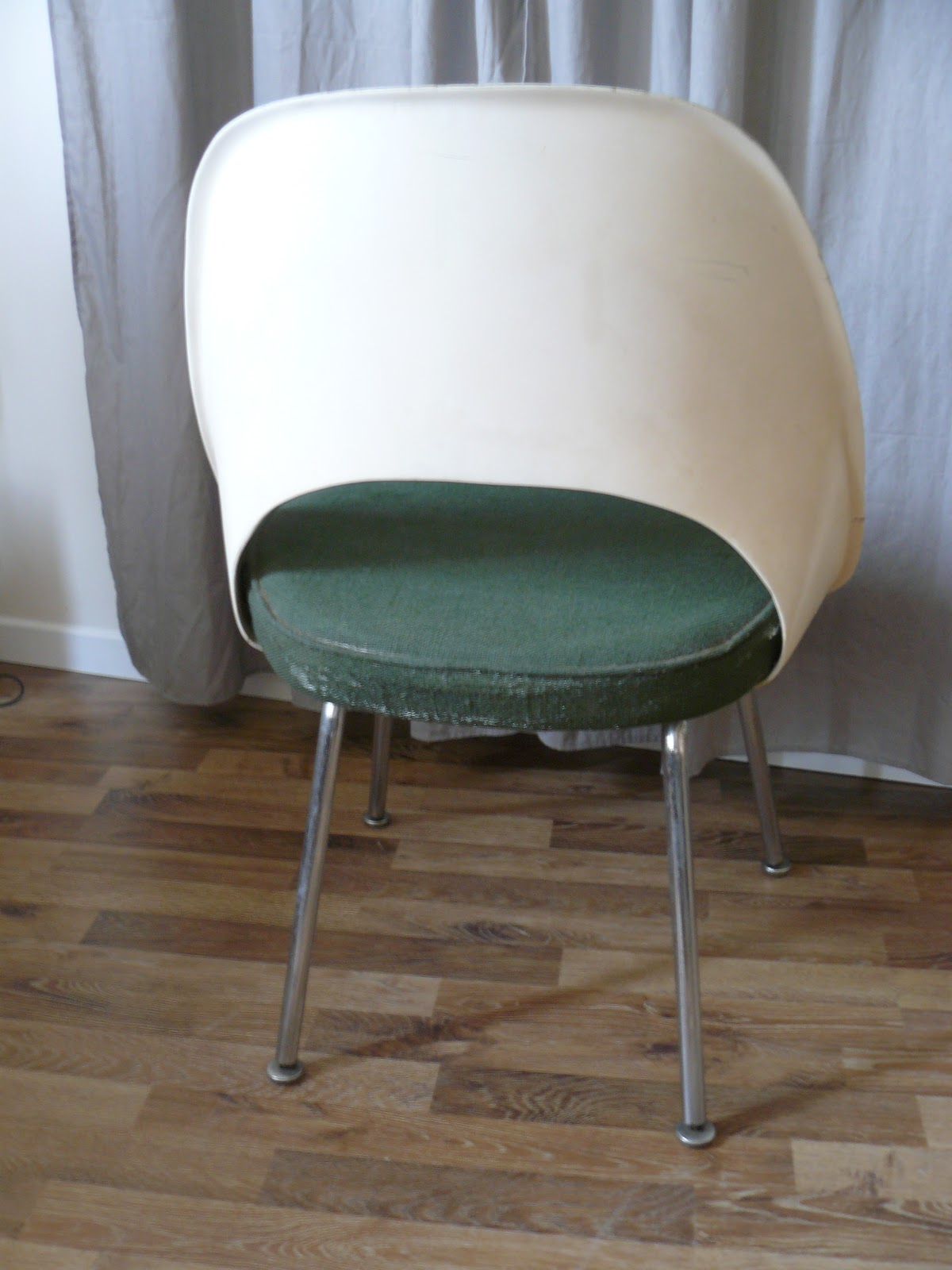 lilyvintage chaise knoll eero saarinen. Black Bedroom Furniture Sets. Home Design Ideas