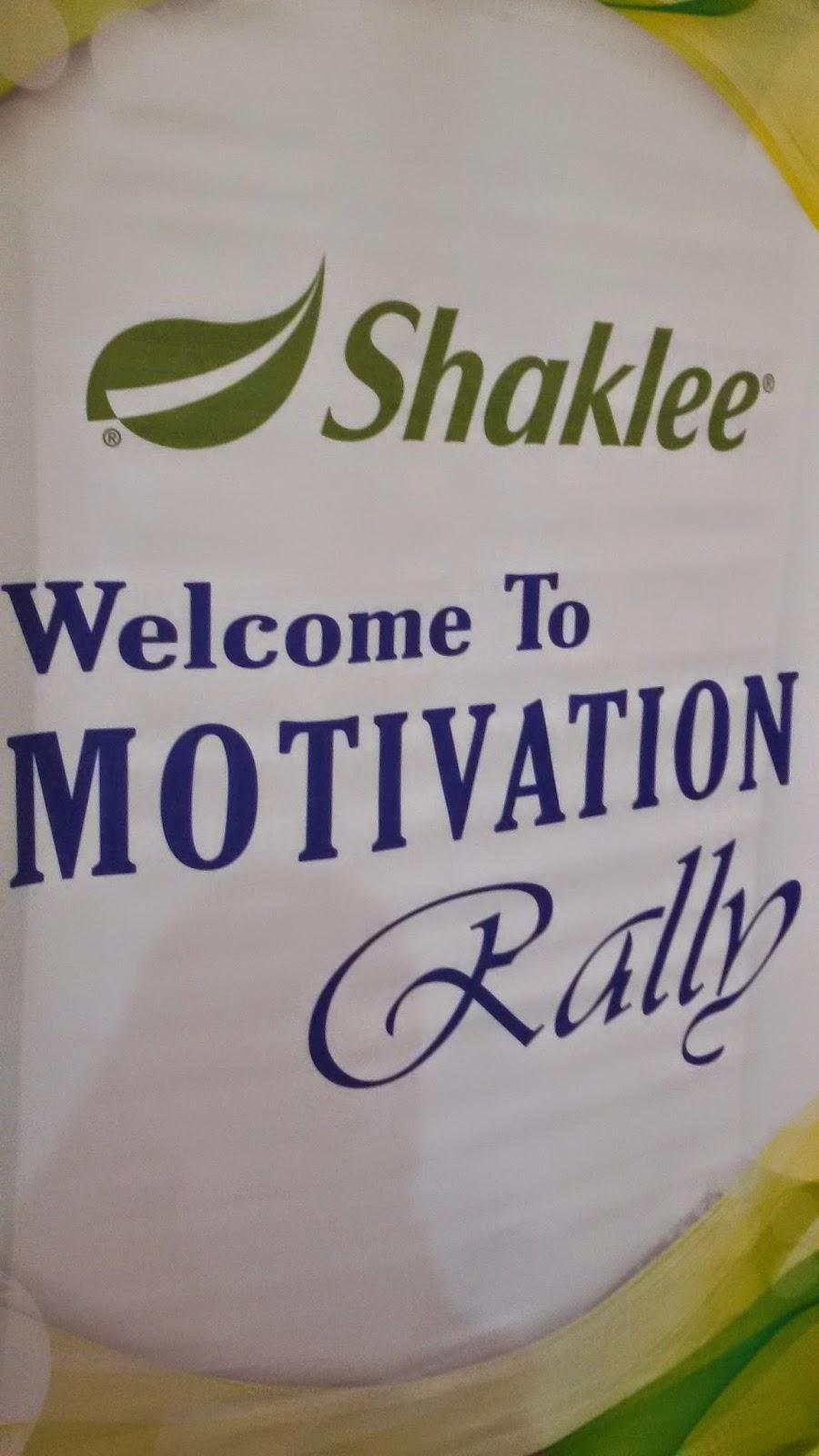 Naik pentas sempena Shaklee Motivation Rally di Shah Alam Convention Centre SACC