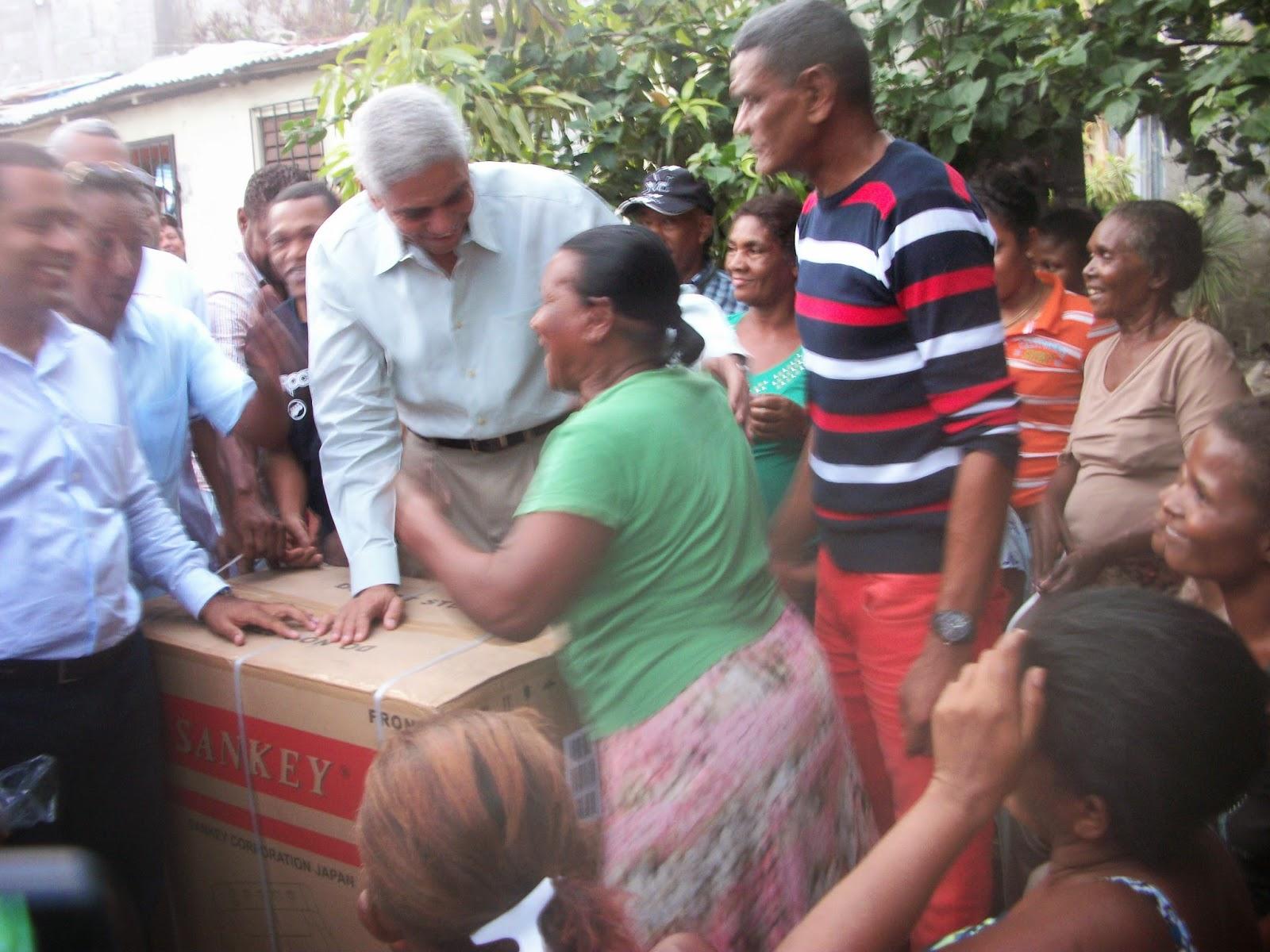 Con varias actividades diputado Nelson Guillén rinde homenaje a las madres de San Cristóbal