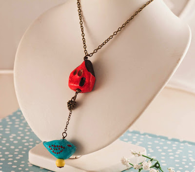 http://www.pinkbijou.com/index.php/collar-ceramica-pajaro/