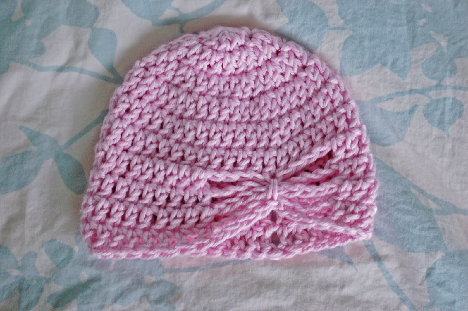 Crochet Pattern Newborn Girl Hat : FREE PATTERN FOR A WORSTED YARN CROCHET A HAT ? Easy ...