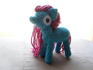 Ponytail Amigurumi : Patrones Amigurumi Gratis: Pony amigurumi - amigurumi pony