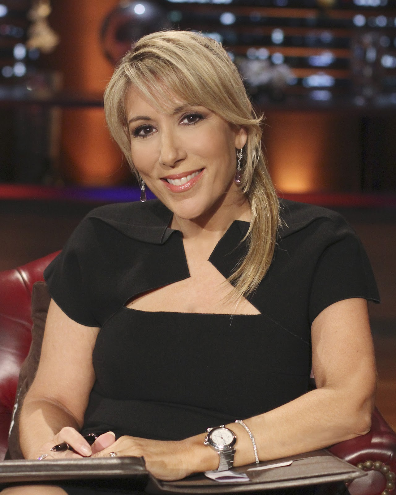 Pop Culture Passionistas Lori Greiner Still Loves Taking A Dip In