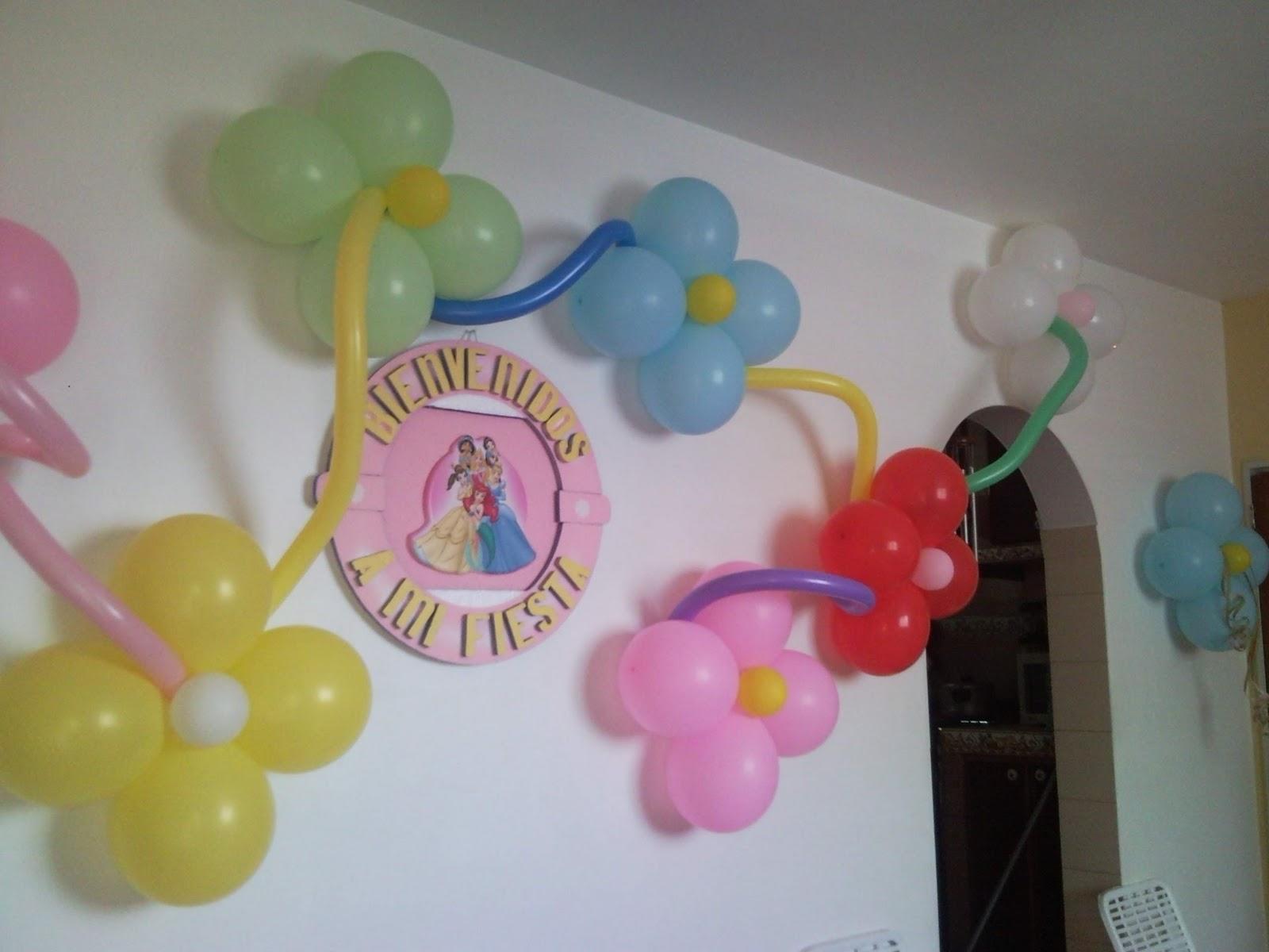 Decoraciones con globos pared de flores for Decoracion para pared con globos