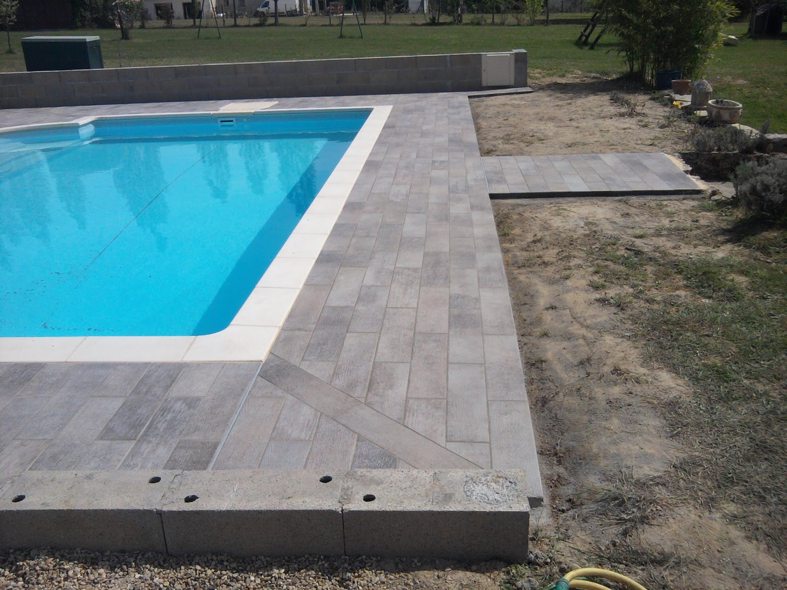 Carrelage tour de piscine 28 images carrelage for Carrelage piscine