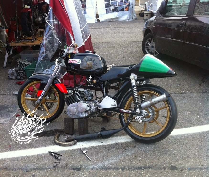 corpses from hell mg mz etz 250 racing at brands hatch. Black Bedroom Furniture Sets. Home Design Ideas